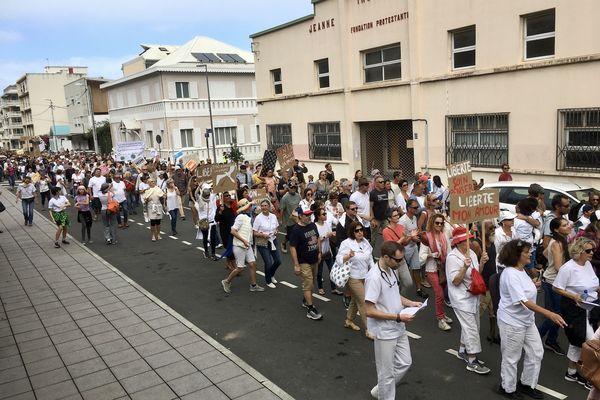 Marche contre le pass sanitaire et l'obligation vaccinale à Nouméa, à hauteur du Congrès, le 31 juillet.
