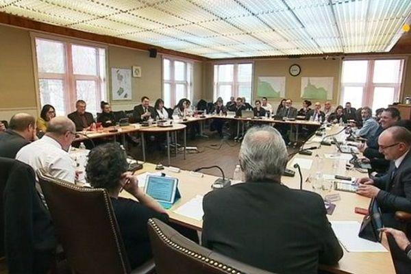 Salle délibérations conseil territorial