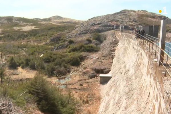 barrage etang vigie