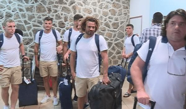 sélection france rugby à 7 arrivée à l'aéroport