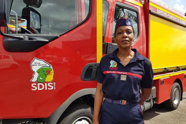 Le lieutenant -colonel pompier Chantal Grand Bois