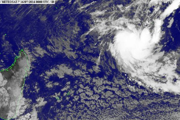Image satellite perturbation tropicale