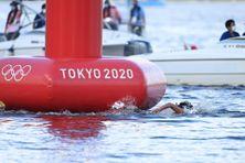 Lara Grangeon se classe neuvième des dix kilomètres en eau libre, mercredi 4 août, dans la baie de Tokyo.
