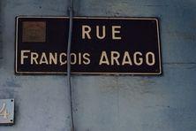 Une rue commerçante de Cayenne