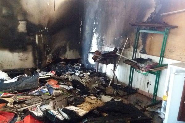 Incendie d'une classe à l'école Raymond Cresson