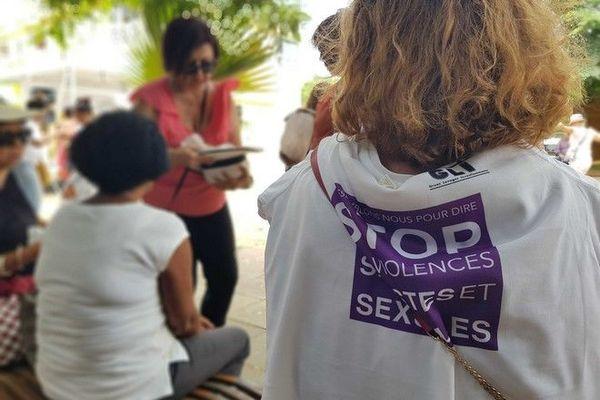 lutte contre violences faites aux femmes Saint-Gilles-les-Bains 231119