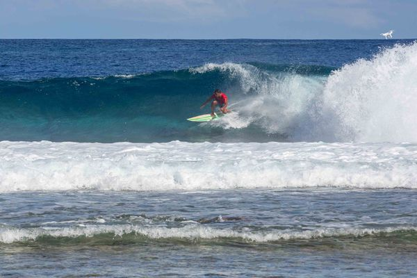 surf rangiroa air tahiti raiora horue /