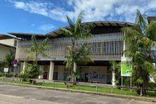 """Le projet """"Hybridation renforcée"""" de l'Université de Guyane est, d'une part, d'accroître l'hybridation des enseignements en multipliant les ressources pédagogiques de qualité accessibles à distance et, d'autre part, de renforcer les services et infrastructures numériques de l'université."""