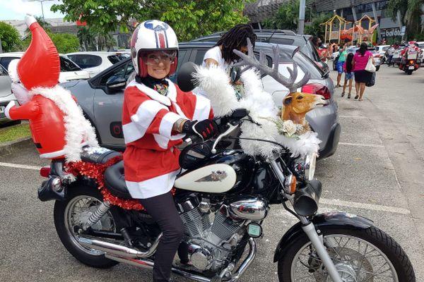 Mère Noël à Moto