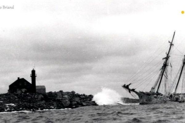 Phare île aux marins