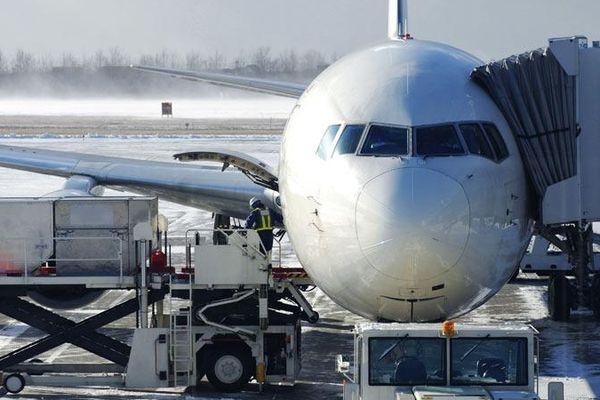 Aéroports parisien enneigés