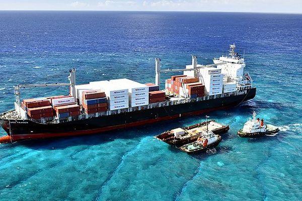Nouvelle-Calédonie: le porte-conteneurs échoué sera démantelé (armateur)