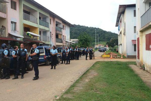 Les gendarmes aux Ames Claires