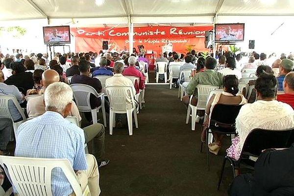 8ème congrès du PCR : militants dans la salle