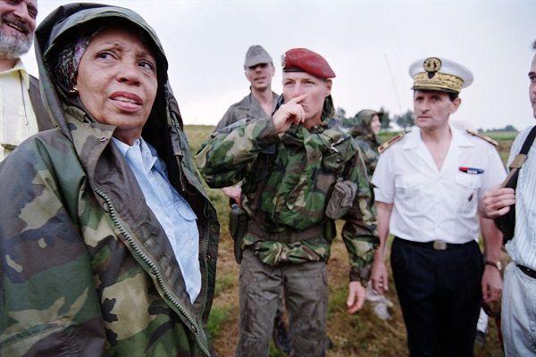 Lucette Michaux-Chevry ministre déléguée à l'action humanitaire et aux droits de l'homme au Rwanda en 1994