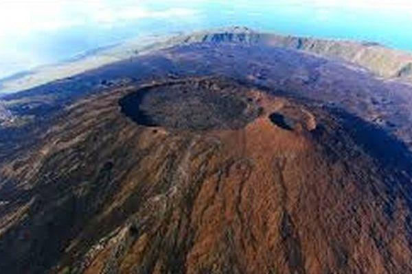 Fournaise : vigilance volcanique