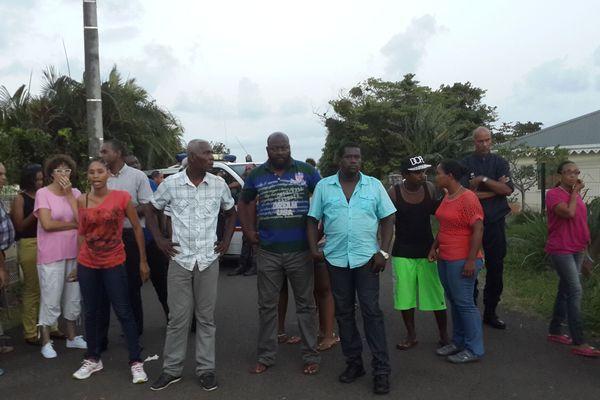 Bertrand Cambusy secrétaire général de la Cstm entouré de manifestants