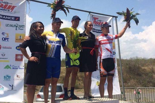 Bouchard, toujours en jaune, assomme la concurrence après la 6e étape.