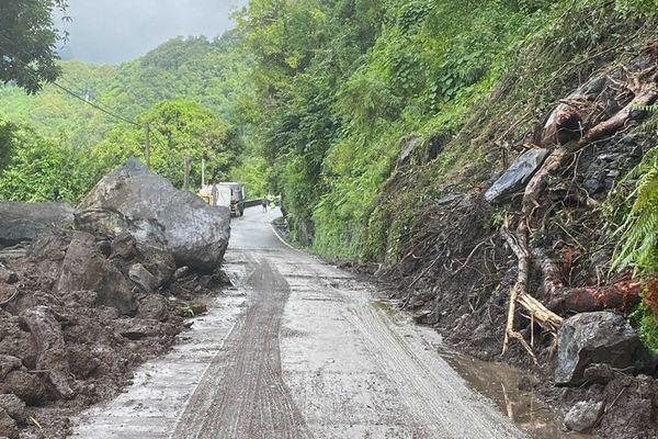 salazie glissement route de salazie fermée 290421