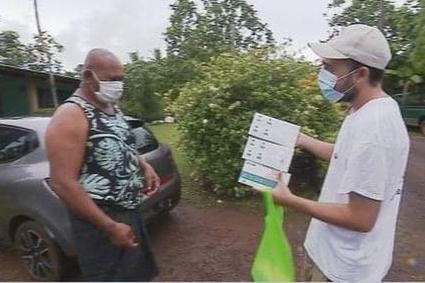Distribution de masques à Wallis