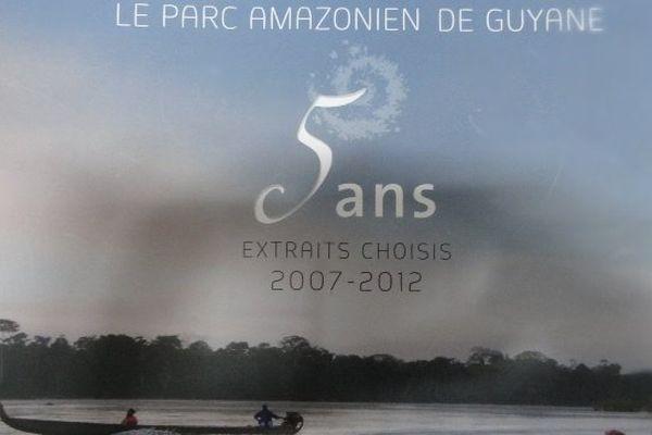 Le livre le parc amazonien de Guyane