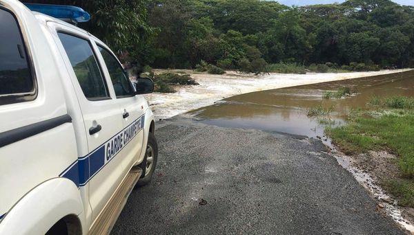 Etat des routes après les pluies, route des grottes de Koumac, 20 janvier 2021