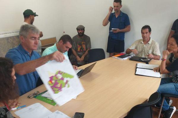 Les agriculteurs en réunion à l'EPFA