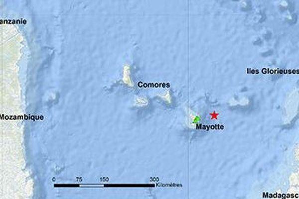 Localisation de l'épicentre (étoile rouge) de la crise sismique de Mayotte (mai 2018)