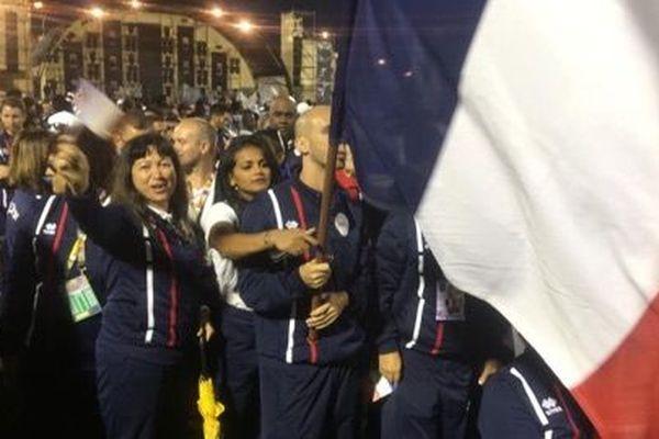 La délégation de La Réunion défile pour la cérémonie de clôture des Jeux des Iles.
