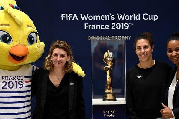 Marinette Pichon, Carli Lloydis, capitaine de l'équipe des Etats-Unis et Laura Georges