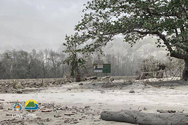 Saint-Vincent après éruption (avril 2021)