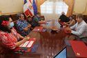 Le président reçoit l'équipe du film « La dernière reine de Tahiti »