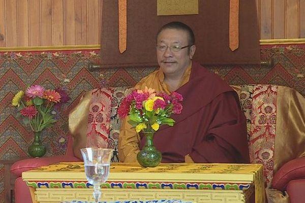 Inauguration temple bouddhiste tibétain traditionnel Mont-Vert les Hauts Tang Rinpoché 010919