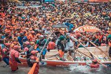 La foule lors du dernier tour de Martinique en yoles rondes (août 2019).