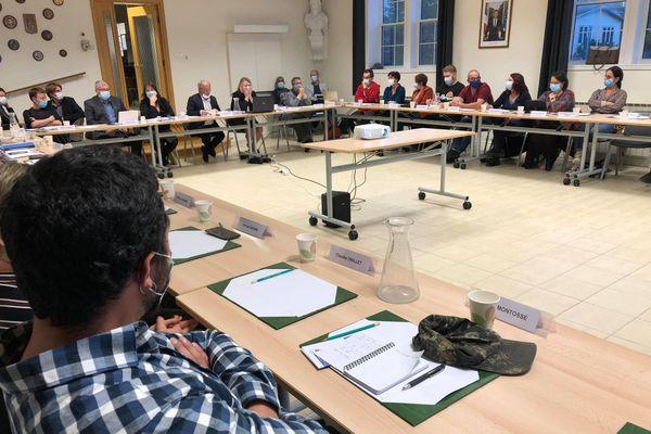 Conseil municipal de Saint-Pierre : une séance courtoise