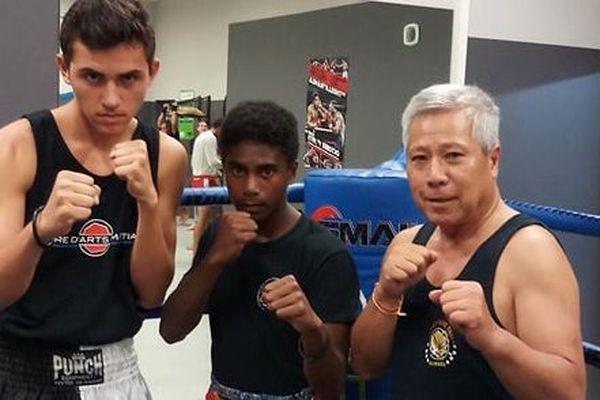 JDS boxe thaï muay thaï : Yorick Larhantec et Bendji Uboin, avec Jean-Thao Vikham.