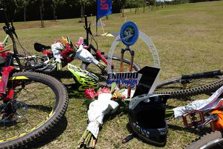 Un coureur de 29 ans décède lors de la course d'enduro VTT au Colorado.