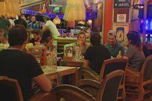 Reprise des restaurants à Nouméa après le confinement 2020. La restauration, l'un des services les plus affectés par la perte d'emploi salarié.