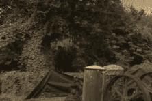 Sur les lieux de la tuerie de 1948, habitation Lajus au Carbet.