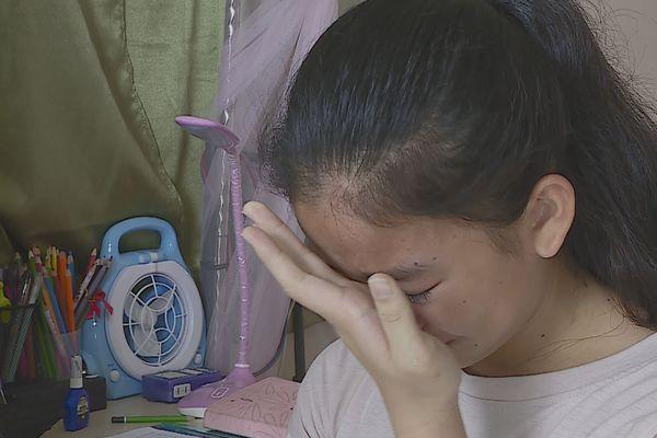 La longue attente de Bénina sans ses parents bloqués en Chine