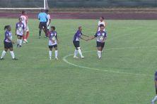 Match entre le R.C Rivière Pilote (maillot violet) et le R.C Saint Joseph (maillot blanc).