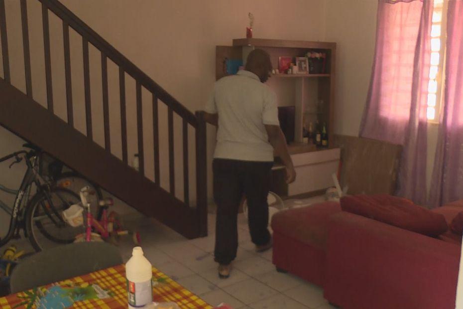 Insolite : une maison désertée à cause de phénomènes paranormaux - Guyane la 1ère