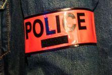 Brassard de police (illustration)
