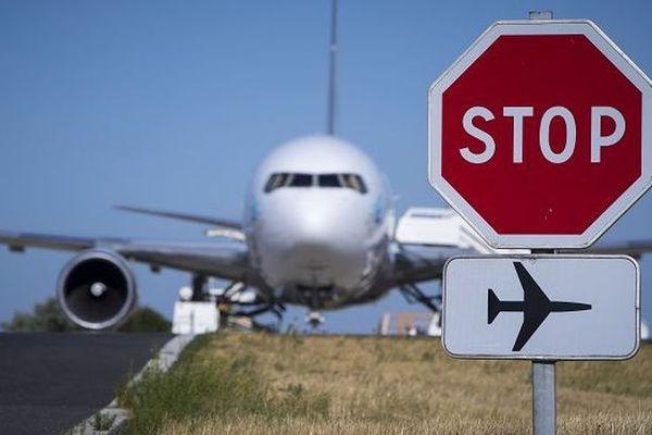 Avion panneau Stop !