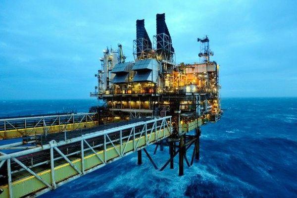 Plate-forme pétrolière en mer du Nord