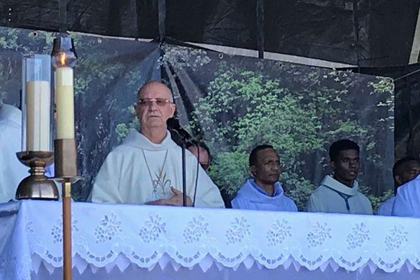La messe de l'Assomption célébrée par Monseigneur Gilbert Aubry.