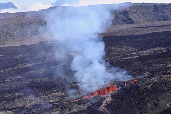 Le Piton de la Fournaise est entré en éruption, samedi 15 septembre.