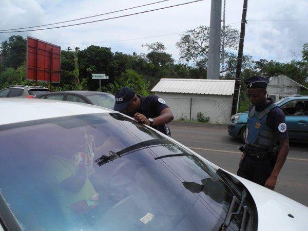 police sur terrain
