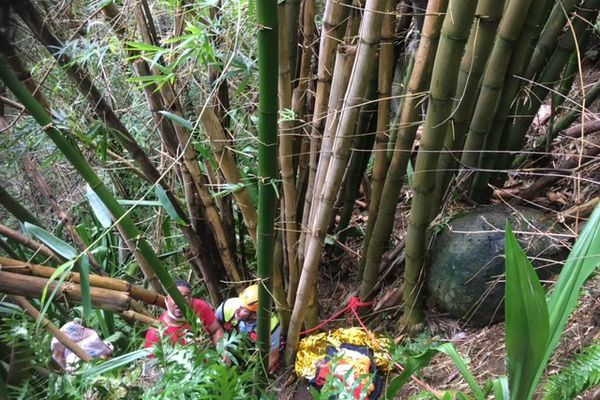 gramoune secourue dans une ravine Sainte-Marie PGHM gendarmerie 310821