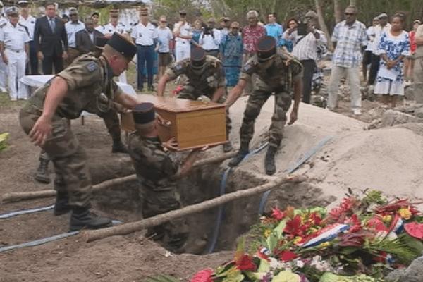 Tiga : enterrement de Kalepo Wabete